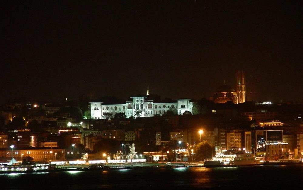 Der Topkapi bei Nacht