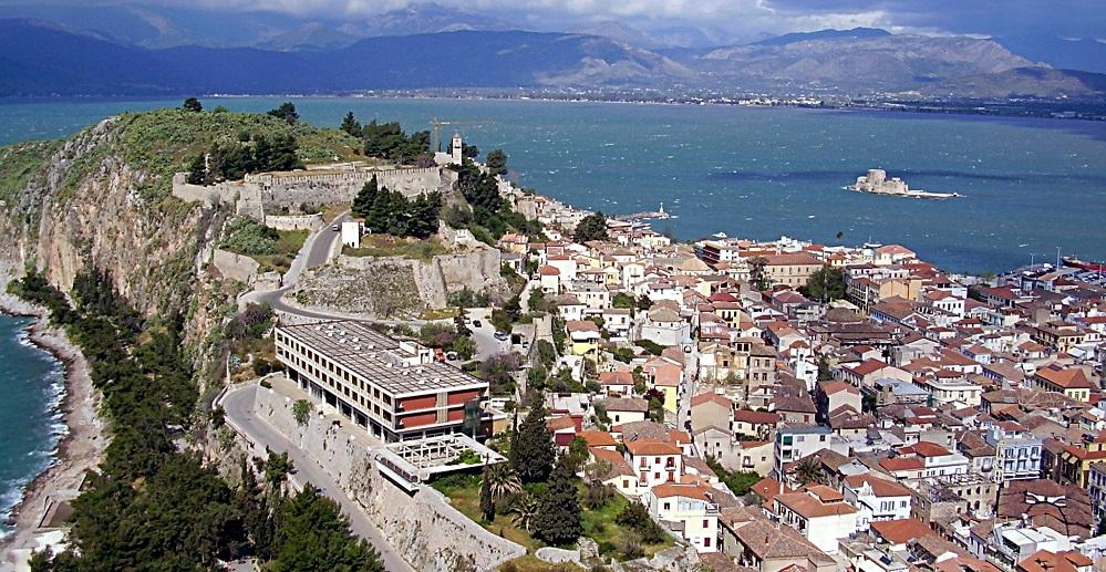 Nafplia von der alten Festung auf Akronauplia aus gesehen